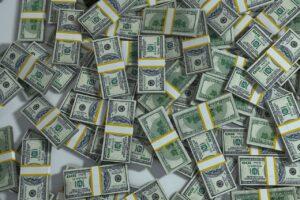 cna earnings